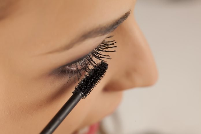 Mascara Tipps Bürste Augen Make up