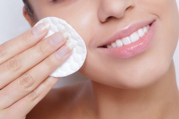 Gesichtsreinigung Pads Reinigung Gesicht Frau