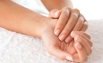 Nagelpilz kann nicht nur Fussnägel betreffen, sondern auch Fingernägel können betroffen sein