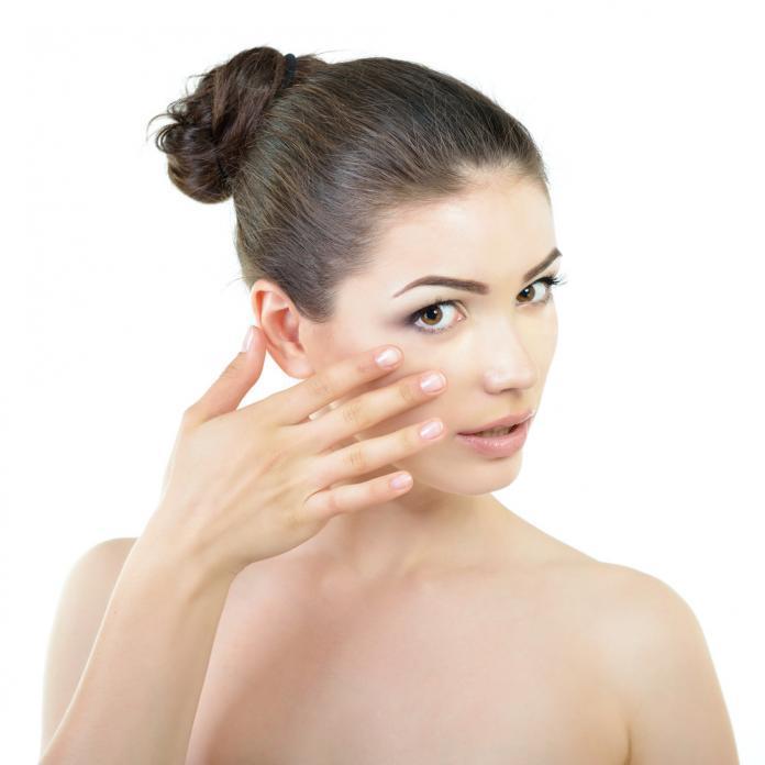 Gesichtsreinigung Tipps mit Wasser oder Gesichtswasser